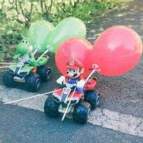 Mario und Joschi von Mario Kart kämpfen beim Teambuilding von teamazing