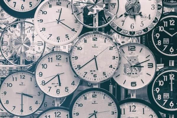 Uhren in Unternehmen sind produktiv