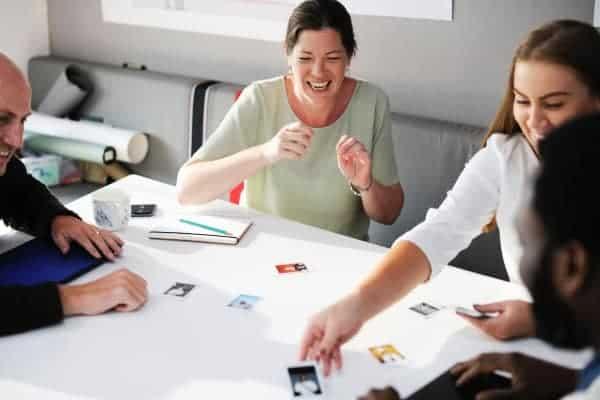 Teilnehmer freuen sich über innovative Aufgaben im Assessment Center