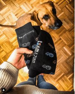 Gebrandete Socken als Mitarbeitergeschenk bei der Weihnachtsfeier
